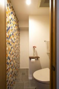木製、ペーパーホルダー、トイレ、タイル、壁、秀建、SHUKEN