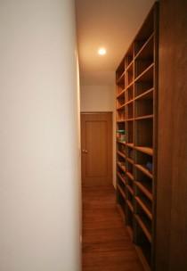 壁面、収納、壁一面、廊下、総合建築職人会