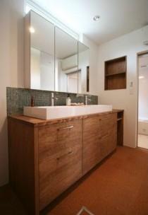 モザイクタイル、木目、木製、洗面台、総合建築職人会