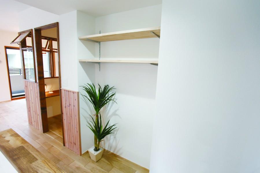 柱、飾り棚、収納、可動式、和久環組、ビートハウス