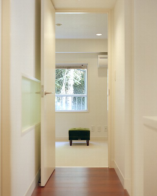 寝室、ベッドルーム、角部屋、採光、リノベーション東京