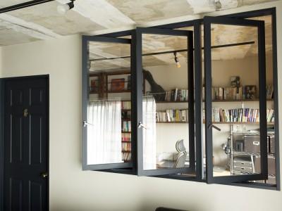 「リノベの最新情報」の「室内窓なら外窓の少ないマンション・戸建ての1Fの採光・換気も叶える!《リノベのトレンドvol.13》」