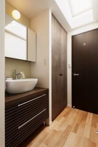 洗面、スペース、手洗い、廊下、アジアン、木製、カウンター、収納棚、スタイル工房