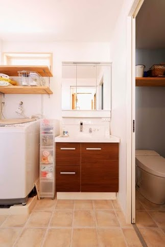 タイル床、窓、トイレ、全面台、スタイル工房