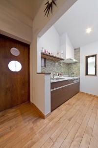 キッチン、建具、モザイクタイル、フローリング、グラデン、GLLADEN