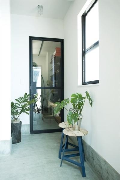 玄関、土間収納、ガラスドア、ハウズライフ