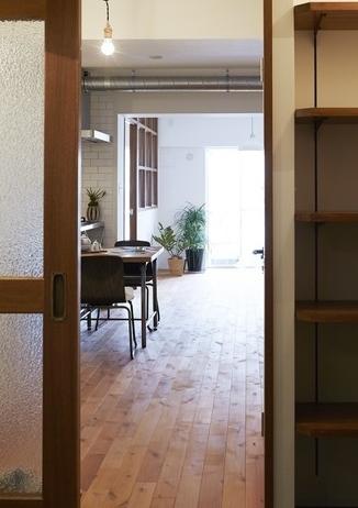 玄関、廊下、引き戸、間口、木製、howzlife、ハウズライフ