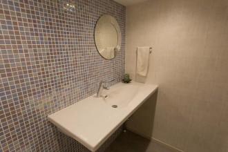 トイレ、洗面所、タイル壁、D-LINE