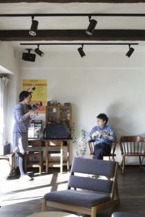 壁、自然素材、珪藻土、化粧梁、リビング、横田満康建築研究所