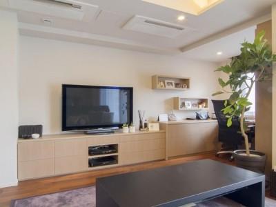 「スタイル イズ スティルリビング」のリノベーション事例「空間デザインされた柔らかな光が映える家」