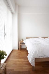 寝室、ベッド、採光、ブラインド、マンション、築32年、リノベーション、スタイル工房