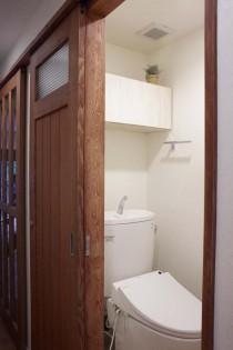 トイレ、タモ材、突板、ガラス、建具、造作、オリジナル、引き戸、スタイル工房