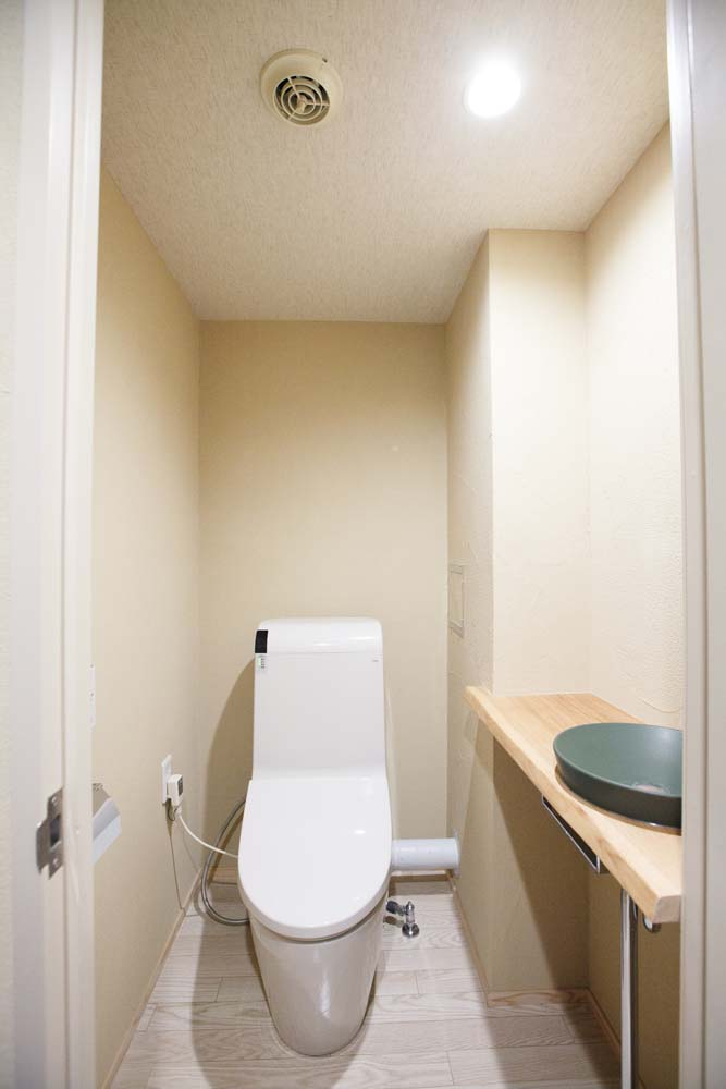 トイレ、マンション、リノベーション、自然素材、床、フローリング、駿河屋