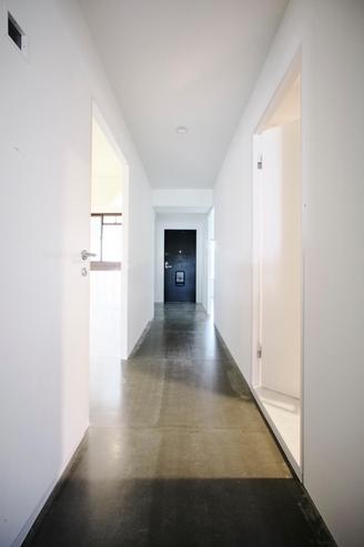 廊下、玄関、白基調、広間口、マンションリノベーション、9株式会社、ナイン