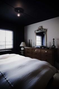 寝室、ベッド、壁、天井、塗装、鉄骨造、リノベーション、9株式会社