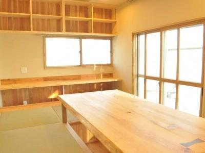 「株式会社駿河屋」のリノベーション事例「温かい明かりに家族が集う家」