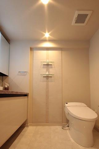 トイレ、ガラス、棚。洗面、手洗い、リフォーム、リノベ、リノステージ