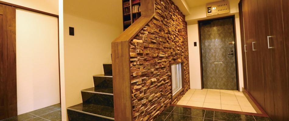 玄関、階段、枕木、タイル、戸建、リノベーション、クラボ