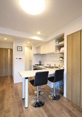 キッチン、造作、カウンター、ダイニング、テーブル、食卓、リノステージ