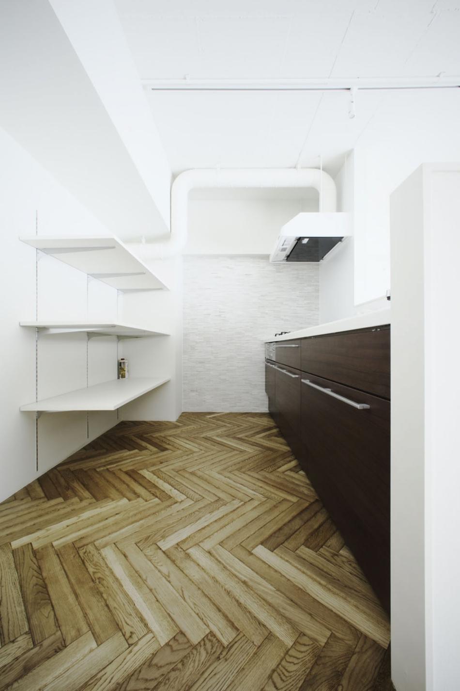キッチン、収納、調理器具、棚、ヘリンボーン、ナイン、9
