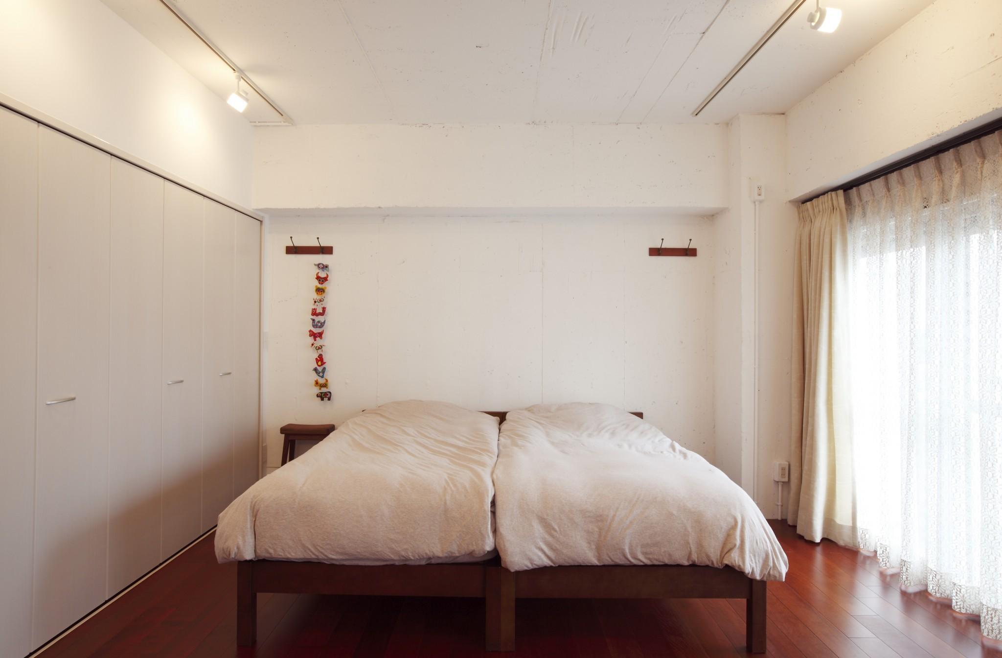 寝室、ベッドルーム、壁収納、クロゼット、マンションリノベーション、スケルトン、リノベーション東京