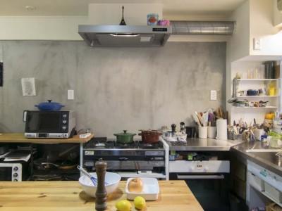 「株式会社エキップ」のリノベーション事例「こだわりのキッチンとアトリエのある空間」