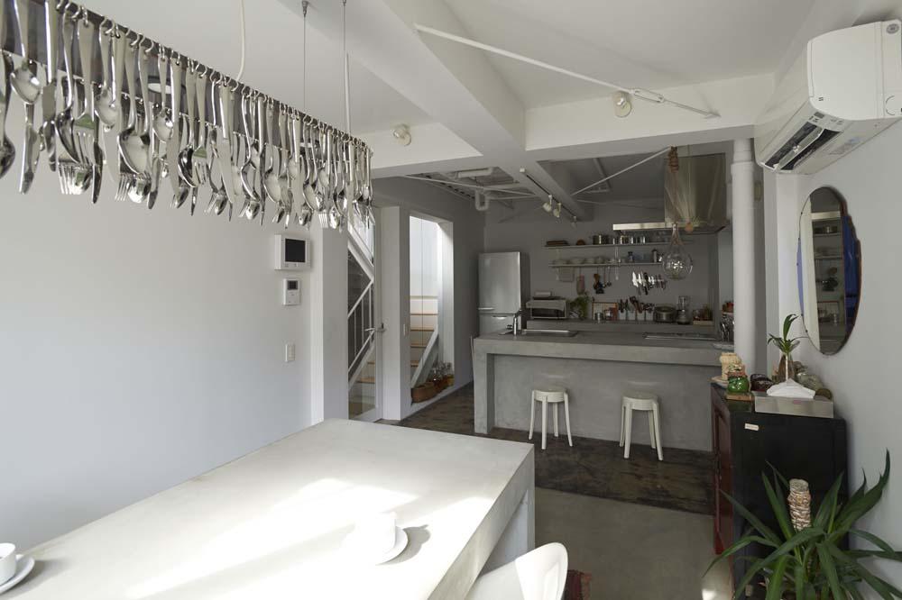 ダイニングキッチン、カフェ風、モルタル、テーブル、リノベーション、ナイン、9