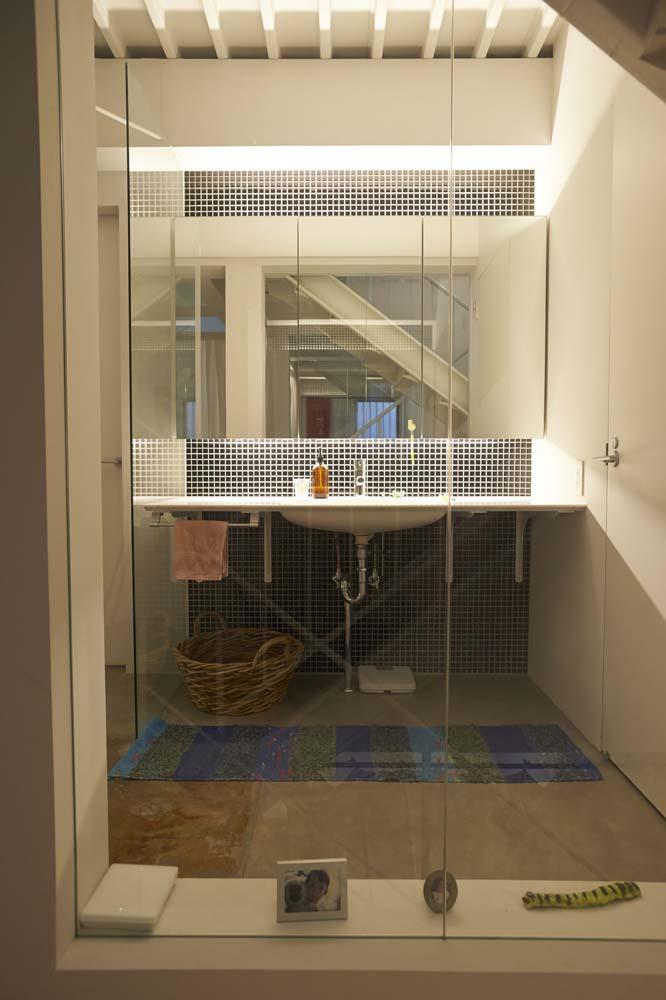 洗面台、モザイクタイル、サニタリー、壁、ガラス、仕切り、ナイン