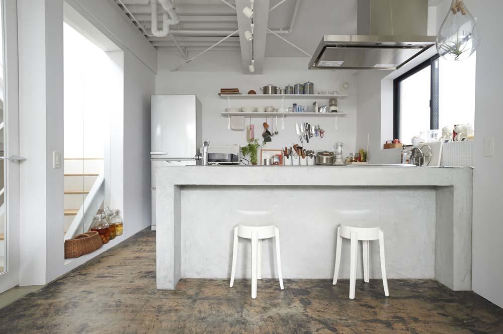 カフェ風、キッチン、カウンター、モルタル、対面、リノベーション、ナイン