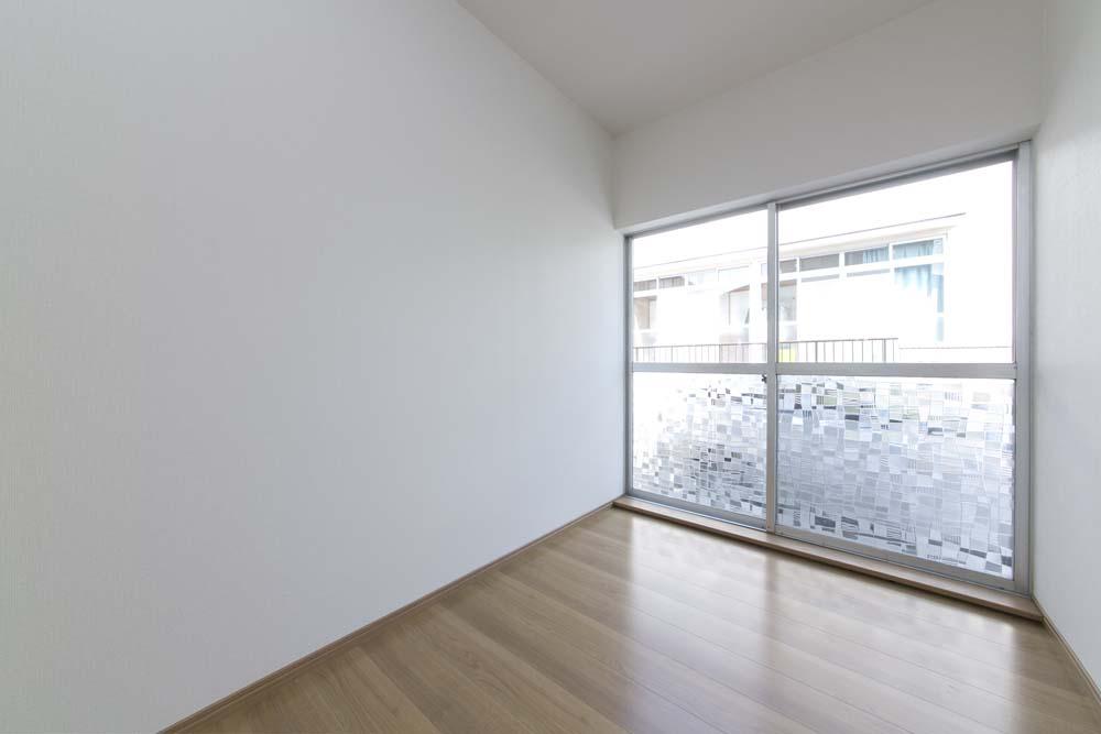 洋室、自然光、フローリング、戸建て、リノベーション、ベツダイ、RE住む