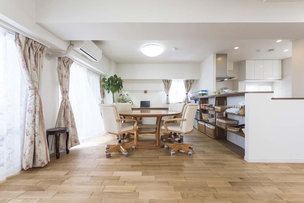 ナラ、床、フローリング、自然素材、マンション、リフォーム、livlan、リブラン