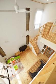 腰壁、吹き抜け、格子、階段、ファン、戸建、スタイル工房