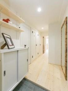 玄関、廊下、タイル、床、パイン、フローリング、ワンストップ、リノベーション、一歩