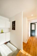 玄関、採光、自然光、モルタル、収納、インテリックス