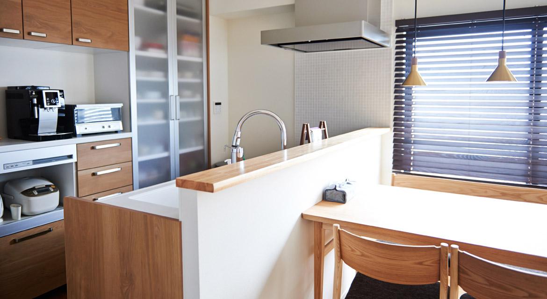 リビングダイニング、テーブル、無垢材、木材、自然素材、マンションリノベーション、インテリックス