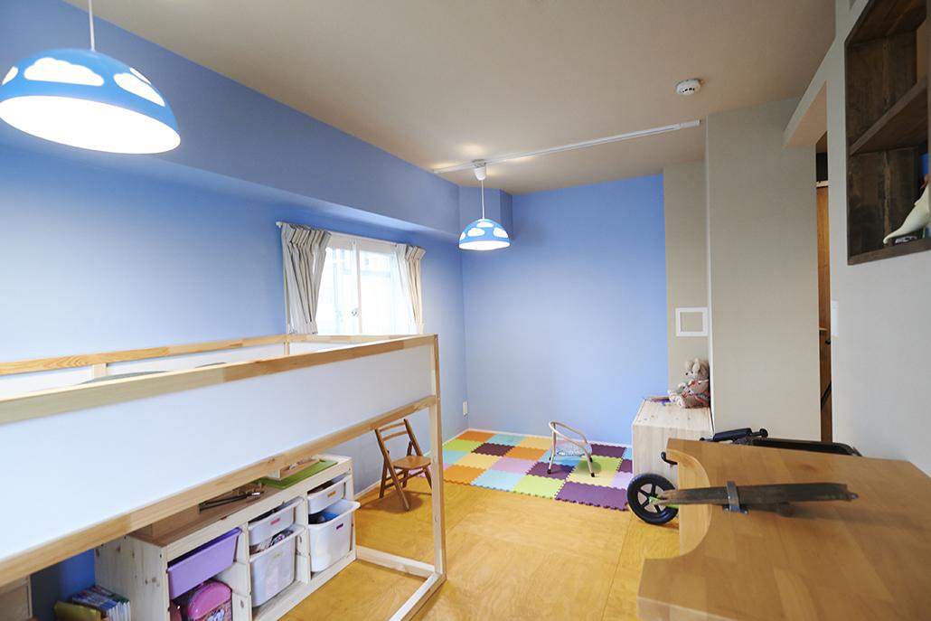子供部屋、キッズ、壁、アクセントカラー、団地、リノベーション、リノまま