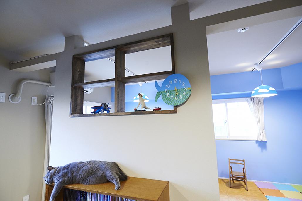 窓㎡枠、独立壁、パーテーション、書斎、デスク、リノまま