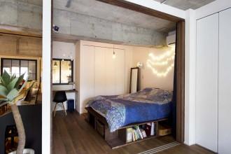 寝室、ベッドルーム、引き戸、間仕切り、リビング、造作ベッド、スタイル工房