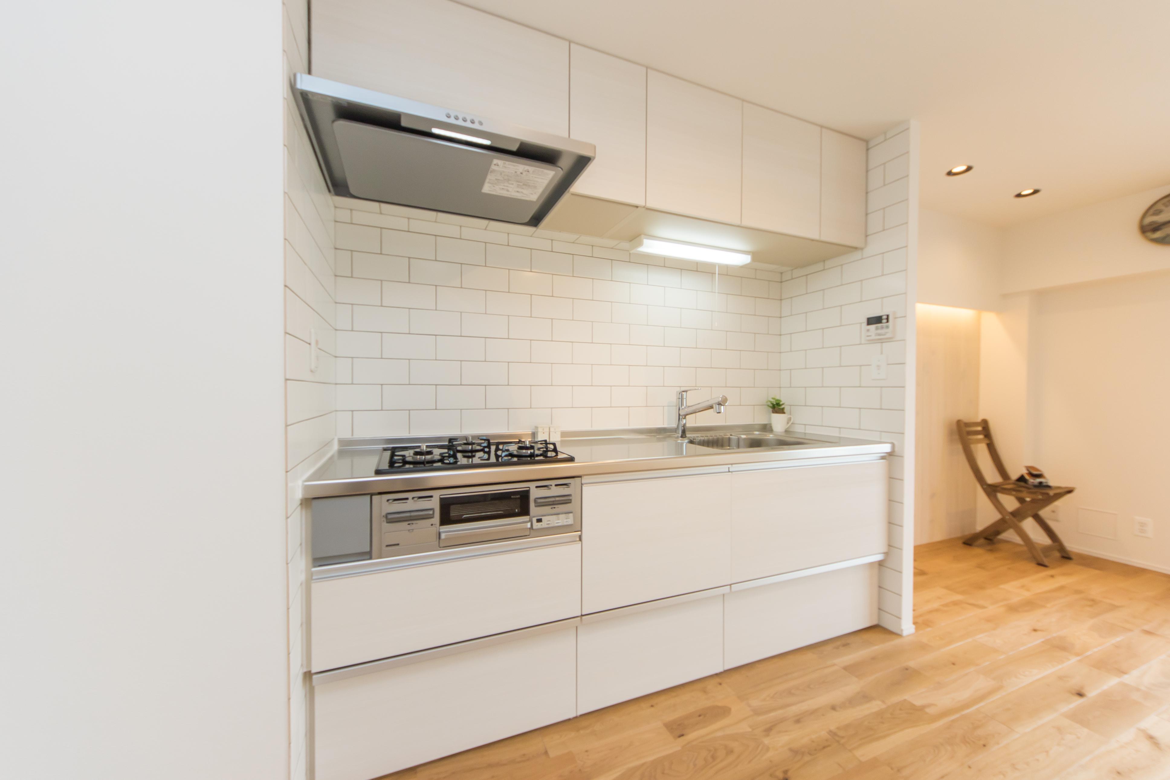 キッチン、ブルックタイル、I型、タイル壁、マンション、リフォーム、一歩