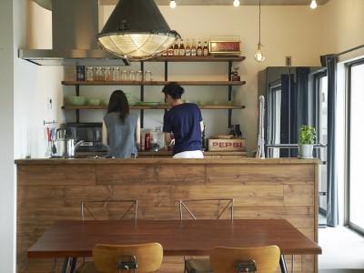 「Howzlife(ハウズライフ)」のリノベーション事例「家具センスがマッチ、カフェ風ビンテージに魅了」