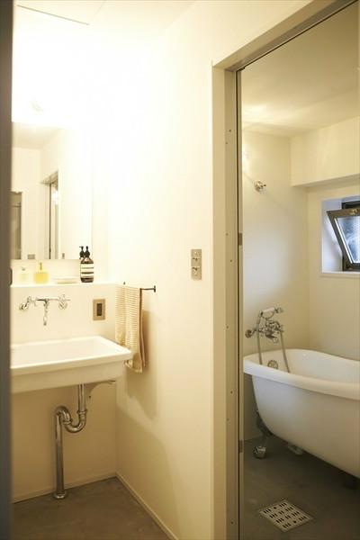 浴室、洗面所、サニタリー、脱衣所、モルタル、マンションリノベーション