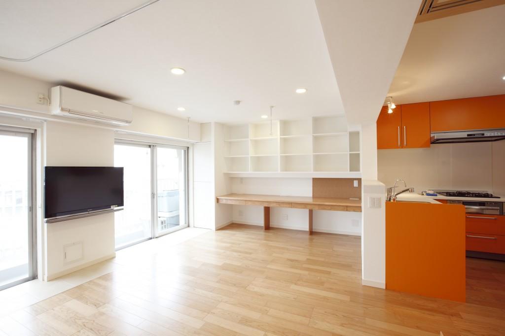 リビングダイニング、壁面収納、飾り棚、ワークスペース、デスク、机、マンションリノベーション
