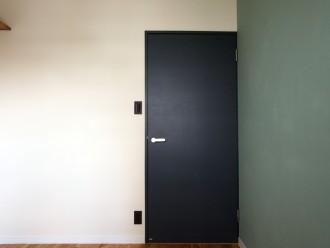 DIY、塗装、ドア、建具、壁、マンション、リノベーション