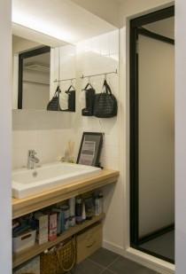 洗面台、収納、壁、床、タイル、マンションリノベーション、エキップ