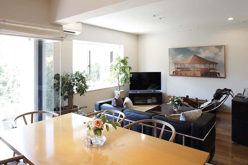 「三井のリフォーム(三井不動産リフォーム)」のリノベーション事例「夫の母が長年住んだ低層マンションを 夫婦ふたりが暮らしやすい家に」