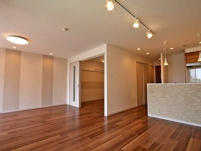 「リノステージ」のリノベーション事例「シンプルながらも洗練されたお部屋」