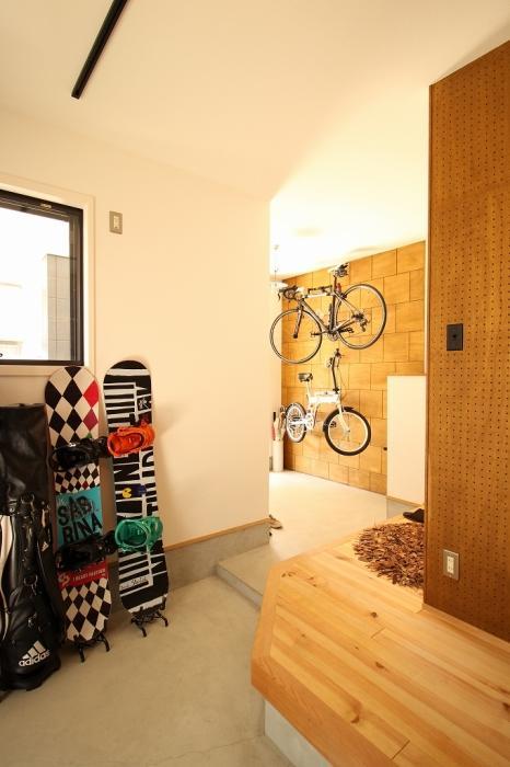 土間、玄関、収納、自転車、手洗い、シンク、戸建リノベーション、ジーフラット