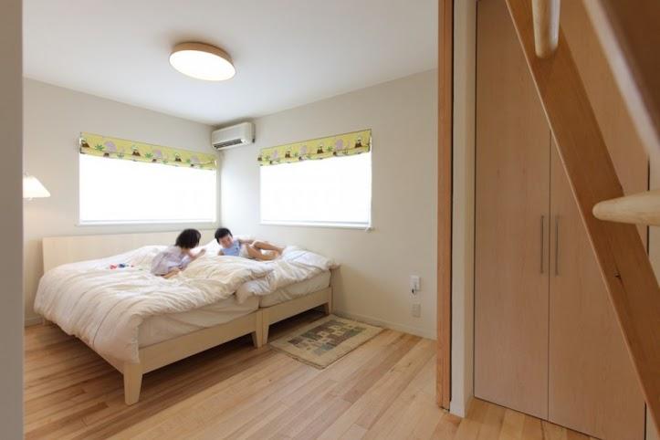 子供、寝室、ベッドルーム、引戸、2階、戸建、+Marchitects、プラスエム・アーキテクツ
