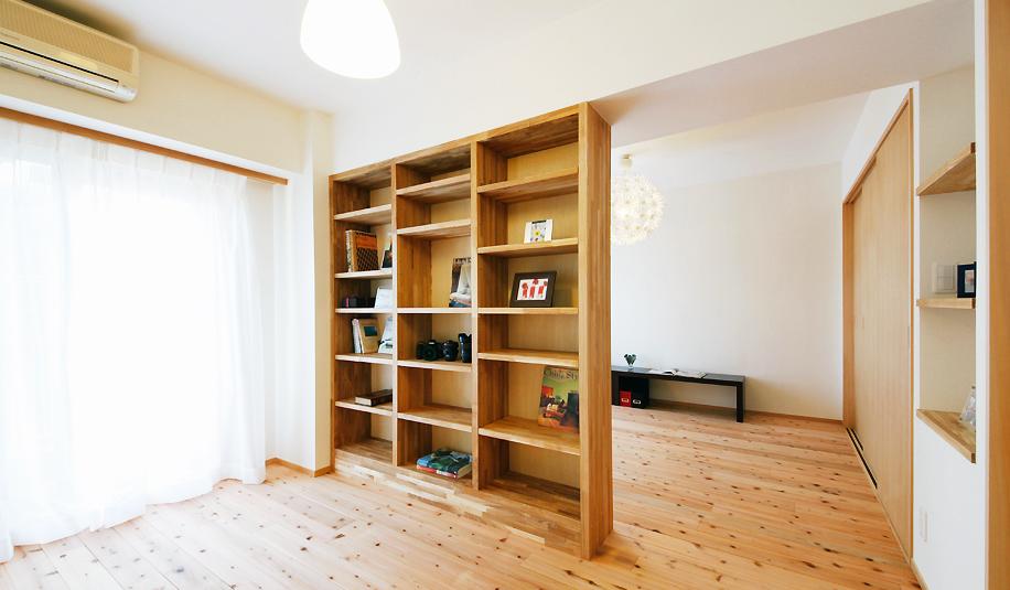 収納棚、本棚、間仕切り、ワークスペース、書斎、ベッドルーム、バリアフリー、水工房