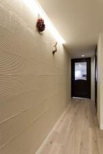 玄関、陰影、塗り壁、リノベーション、マンション、三井のリフォーム